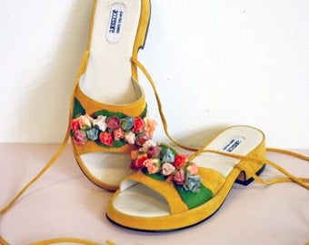 Vintage 1970s French Yellow Leather Floral Lace Up Open Toe Low Heels Size 6.5-7 by Jean Paul Barriol