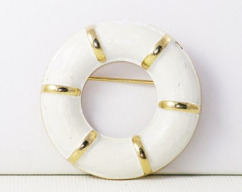 Vintage Gold Tone Nautical White Enamel Life Preserver Brooch Pin (B-4-2)