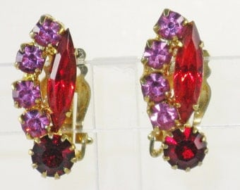 Vintage Lisner Red and Pink Rhinestone Clip Earrings (E-2-3)