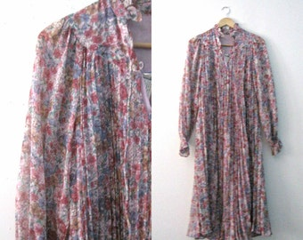 Vintage 60s floral dress / accordian pleat gauze Hippie Bohemian dress / Flowing Floral Festival dress