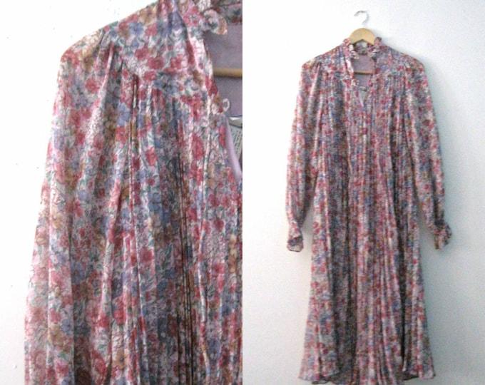 Vintage 60s floral dress / accordian pleat gauze Hippie Bohemian dress / Flowing Floral Festival dress