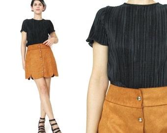 Minimalist Black Pleated Top 1990s Minimal Modern Black Tshirt Avant Garde Black Top Short Sleeve Womens Accordian Pleats Shirt (XS/S)