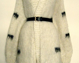 long hair NATIVE COWICHAN sweater duster  o v e r s i z e d warm and comfy. open size