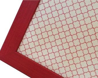 Magnet Board - Magnetic Memo Board - Dry Erase Board - Framed Bulletin Board - Wall Decor - Red Quatrefoil Design - incl. magnets