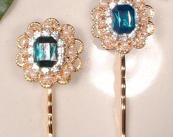 Emerald Green Bridal Hair Pins, Gold Rhinestone & Pearl Bridesmaid Gift Set 2 4 6 8 10 Green Bobby Pin Pair Vintage Wedding Clip Accessories
