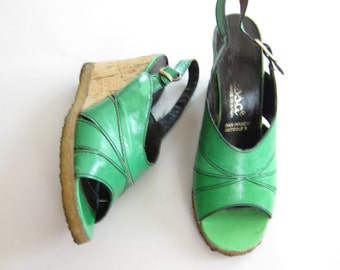 Vintage 1960s 1970s Green Wedge Sandals / 60s 70s Open Toe Summer Slingback Shoes / Size 6