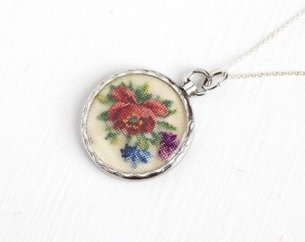 Antique 800 Silver Photo Locket Pendant Necklace - Vintage Edwardian Clear Lucite Cover Pendant Photographic Screw Top NeedlePoint Jewelry