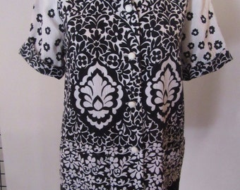 Black and White Flower Hawaiian Ladies Shirt