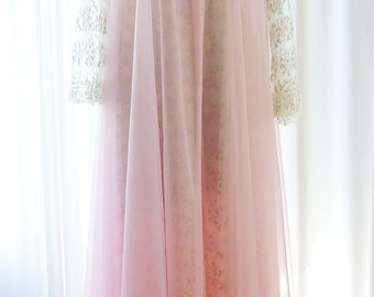 Virginia Wallace Peignoir Set Pink New Old Stock 300 Inch Hemline MINT