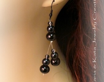 In groups of threes glass beads Modern classic dangle earrings