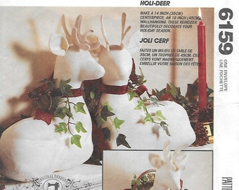 McCall's 6159 Christmas 14 inch Deer / Stag & 18 inch Deer Wall Hanging Sewing Pattern