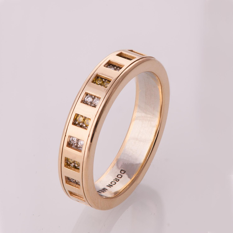 spinner ring men 39 s ring men 39 s wedding band diamond. Black Bedroom Furniture Sets. Home Design Ideas