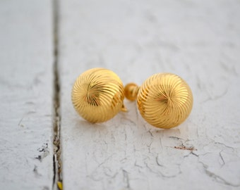 1960s Napier Gold Swirl Stud Clip/Screw Back Earrings