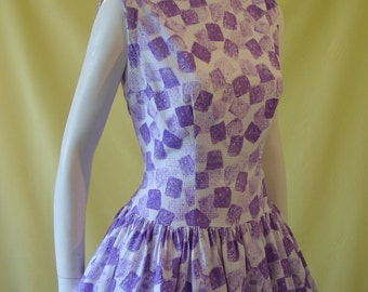 1950s Sun Dress / 50s Day Dress / Purple White Print Waffle Cotton / Drop Waist / Full Skirt / Audrey Hepburn Neckline / M Medium