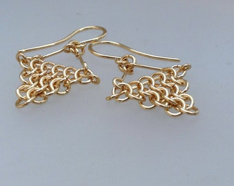 Gold filled chainmail earrings, gold chainmaille earrings, gold triangle earring, gold dangle earrings, yellow gold mesh earrings, geometric