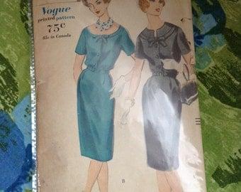 Vintage Vogue 5093 1950s Scoop Neck Dress 35 Inch Bust Half Size