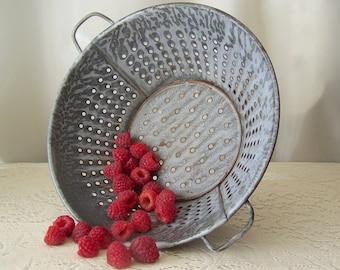 Vintage Graniteware Colander Grey Strainer Speckled Kitchenware Shabby Cottage Decor Farm Kitchen 1940s