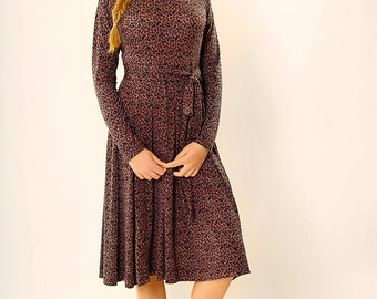 Midi dress,Long sleeve dress,Tea length dress,Midi floral dress,Belted midi dress,Elegant midi dress,Printed midi dress,Mid length dress