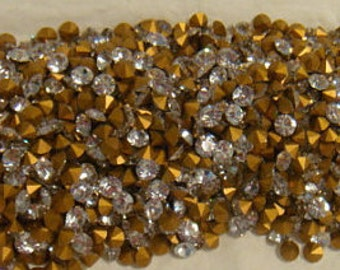 Vintage Swarovski Crystal Rhinestone ss19 4.40-4.60mm Article 1100 QTY - 12