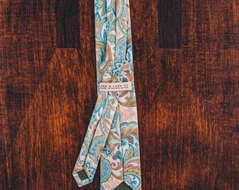 Skinny Tie    Light Blue Paisley