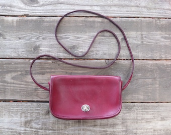 Vintage Burgundy Leather Purse / COACH Style Purse / 1970s Red Purse