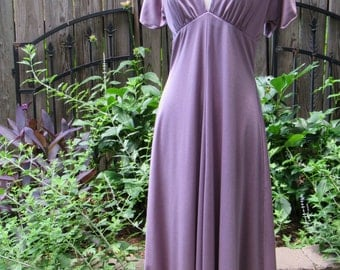 Sexy 70s Purple Lilac Disco Dress / Vintage Plunging V Neckline 1970s Cocktail Party Dress with Flutter Sleeves and Key-hole Back / Small