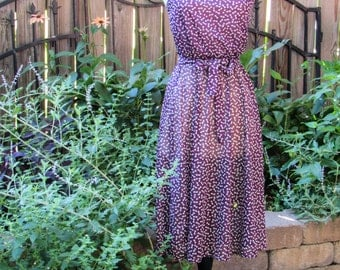Vintage 70s Purple Bow Novelty Print Sheer Summer Day Dress / Spaghetti Straps and Elastic Waist with Belt / XS Small