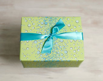 Bubbles Recycled Gift Wrap, Green Wrapping Paper, Eco Gift Package, Made in the USA, Circles, Blue, Boy Wrapping Paper
