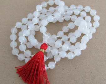 White mala - Hand knotted 8mm snow quartz 108 beads mala - tassel necklace -yoga jewelry - meditation beads - hand knotted by Sphalie