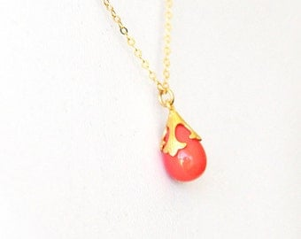 Coral Necklace, Peach Crystal Necklace, 14K Gold Filled, Dainty Coral Necklace, Drop Necklace, Coral Pendant Necklace, Gift Idea Necklace