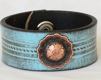 Turquoise Leather Cuff Bracelet, Womens Leather Cuff Bracelet. Vintage Leather Cuff, Copper Concho, Western Cuff Bracelet