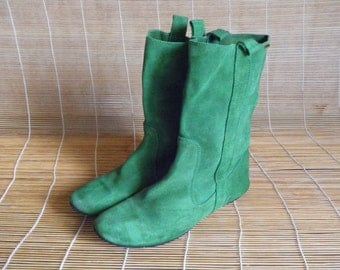 Vintage Lady's Green Suede Flat Ankle Boots Size EUR 37 / US Woman 6 1/2