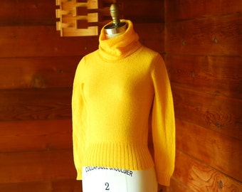 vintage Saks Fifth Avenue golden yellow wool turtleneck sweater / size xs small