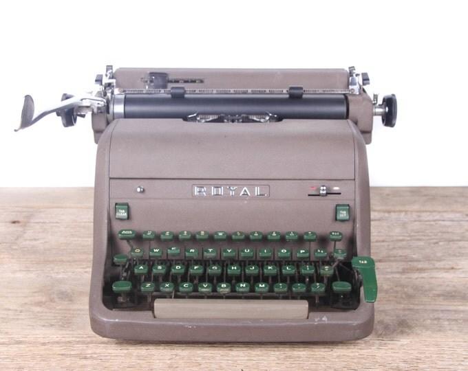Vintage 1959 Model HH Royal Typewriter / Working Manual Typewriter / Serviced Antique Typewriter / Vintage Typewriter Decor Prop Display