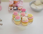 1:6 Scale Sweet Petite Play Scale Miniature Shabby Rose Cupcakes