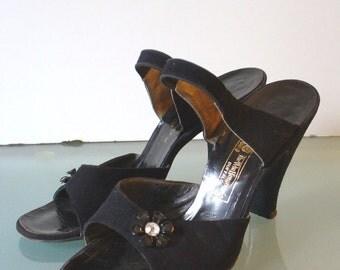 Vintage Andrew Geller Handmade Suede Pinup Shoes