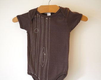 Baby one-piece - embroidered woodgrain (faux bois) chocolate brown - thread sketching