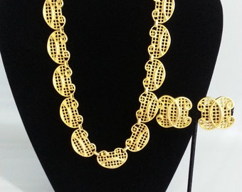SALE!!!  Vintage 1980's Gold Tone Necklace and Clip Earrings Set