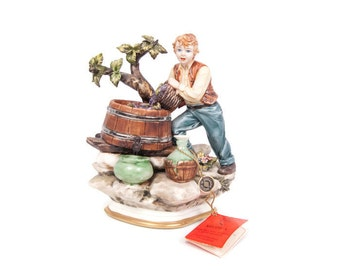 Vintage Capodimonte Figurine Harvesting Grapes Making Wine Made in Italy Blue Crown Mark Cert of Authenticity