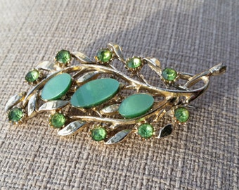 Gold/Green Vintage Brooch