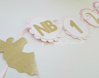 Unicorn 1st Year Photo Banner in Pink Ombre and GOLD. Photo Display 1st Birthday.  Photo Clips. Scallop Photo Banner. 13 Magical Months.
