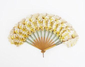 Vintage French Folding Daisies Palmette Hand Fan
