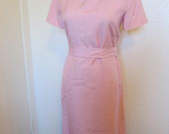 Pink magenta belted 50s 60s linen wiggle dress ribbon detail