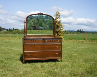 Dresser / Chest of Drawers / Chest with Mirror / Antique Chest of Drawers ~ 1920-1930's Era
