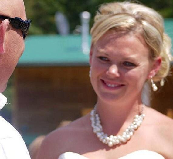 Wedding Bridesmaid Jewelry, White Pearl Necklace, Chunky Cluster Necklace, Ivory Pearl Necklace, Bridesmaid Necklace, Bib Necklace