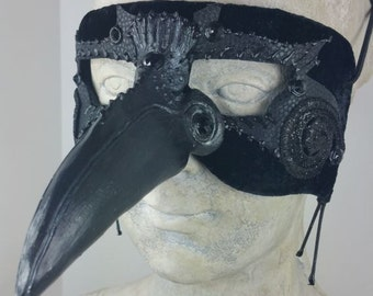 Raven Masquerade Mask Black//Black Masquerade Mask//Masquerade Mask Black//Mens Masquerade Mask//Halloween Masquerade Mask//Mardi Gras Mask