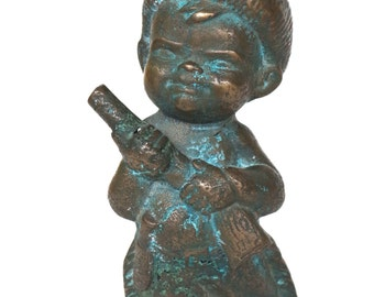 Vintage Davy Crockett Daniel Boone Bronze Statue Boy in Racoon Hat with Gun