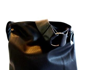 Black Vegan Hobo Bag, Crossbody Hobo Bag, Vegan Handbag, Hobo Purse, Black Crossover Bag, Womens Handbag, Everyday Bag