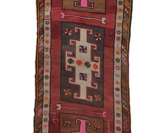 S A L E 20% Vintage Pink Greek Key Runner, dated 1976