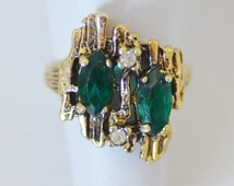 Simulated Emerald and Rhinestone 18kt HGE Ring Vintage